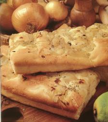 cuisine italienne et focaccia aux oignons