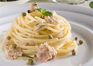 Spaghetti, thon et câpres