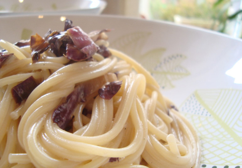 Spaghetti à la salade de Trévise