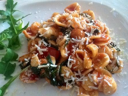 cuisine italienne, orecchiette et roquette
